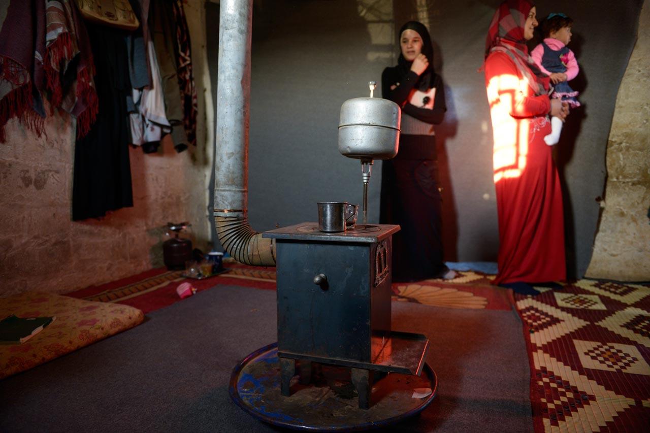 Hütte in einem Camp für syrische Flüchtlinge in dem christlich maronitischen Dorf Deir el Ahmad in der Bekaa Ebene im Libanon. Foto: Jörg Böthling