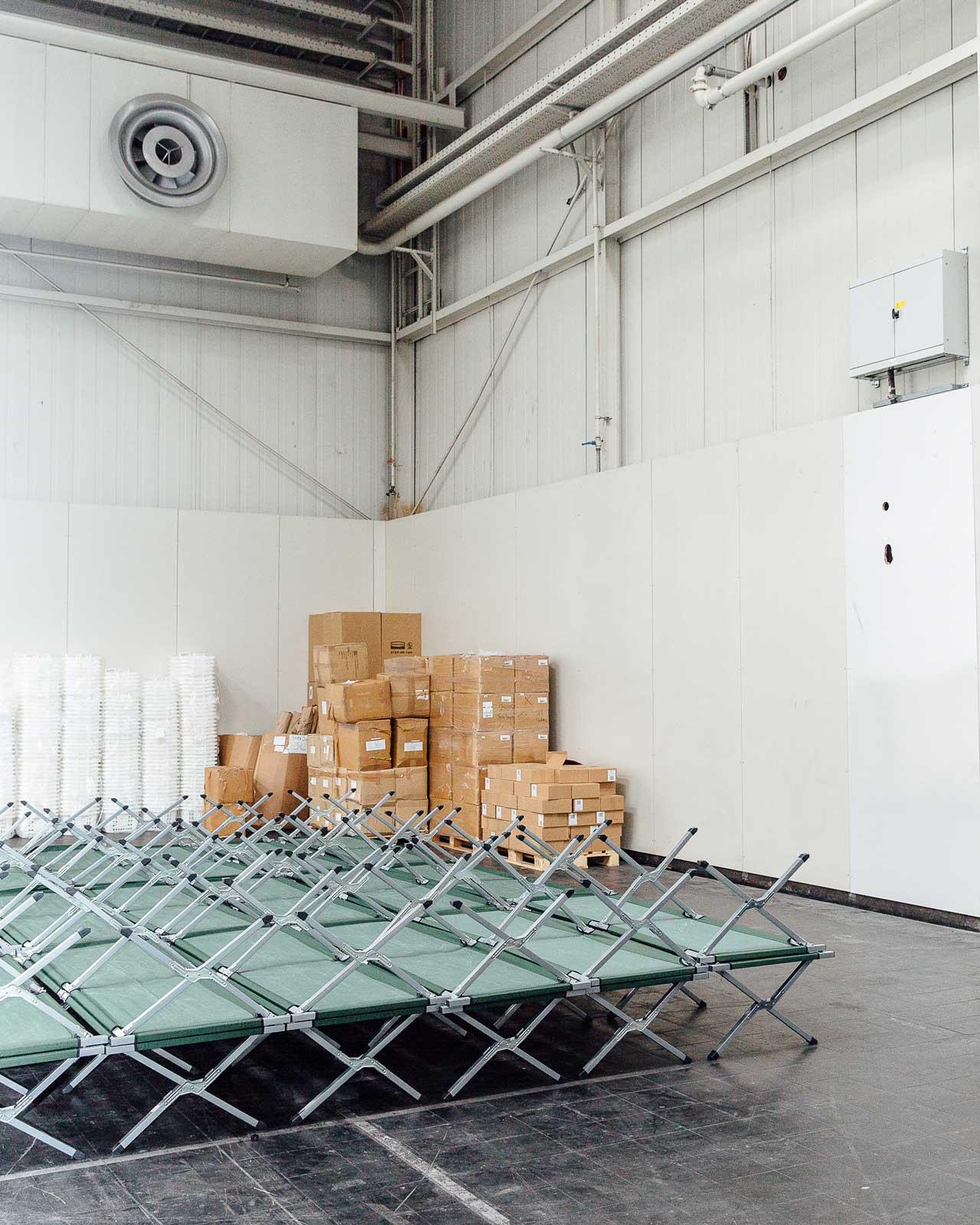 Die Messehalle 21 in Hannover wird angesichts der großen Herausforderungen in der Flüchtlingsunterbringung ab August 2015 vorübergehend als Notunterkunft genutzt. Foto: David Carreno