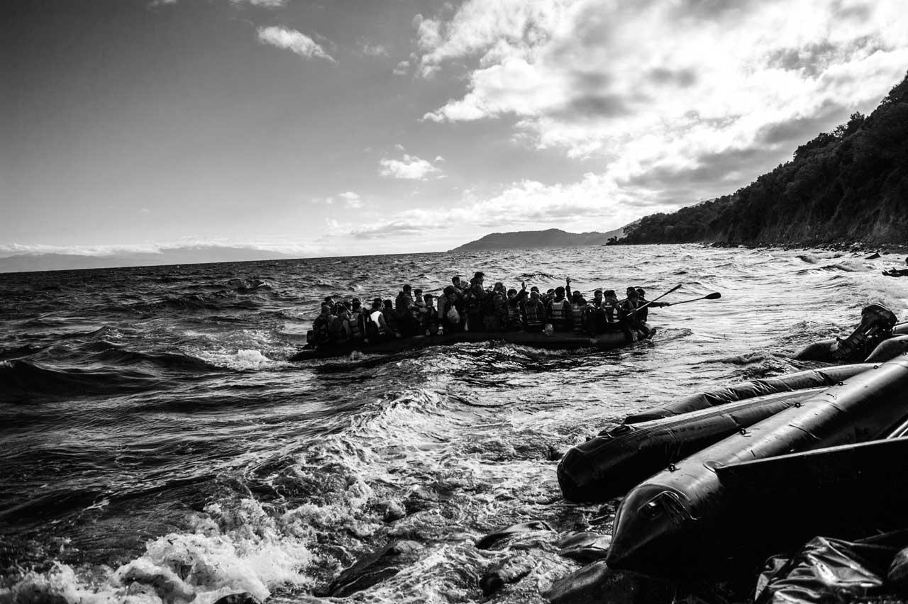 Ankunft eines Flüchtlingsbootes an der Küste der griechischen Insel Lesbos. Foto: Kai Löffelbein