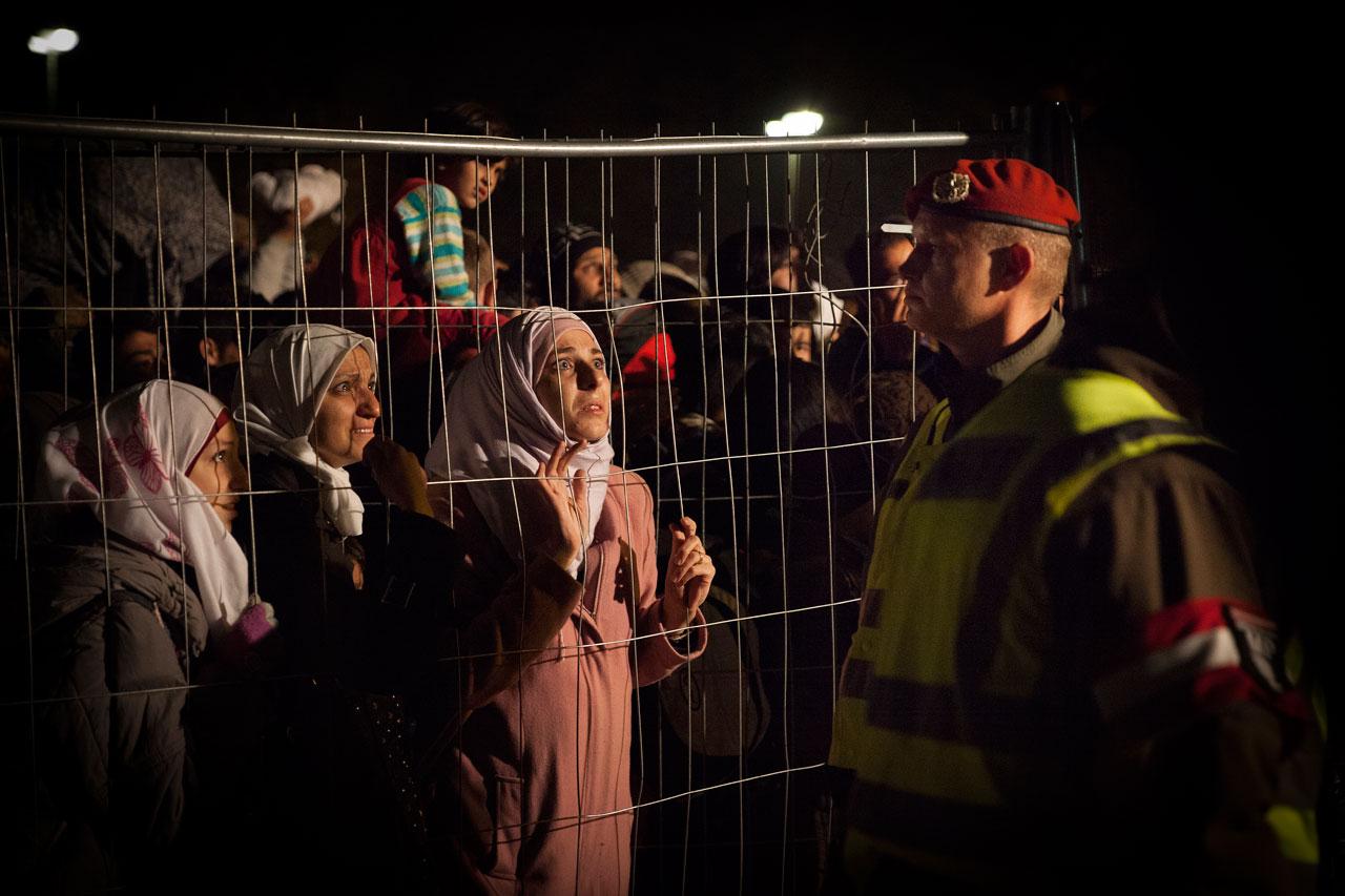 Flüchtlinge an der Grenze zwischen Sentilj, Slowenien und Spielfeld, Österreich, 28.10.2015 Foto: Daniel Müller