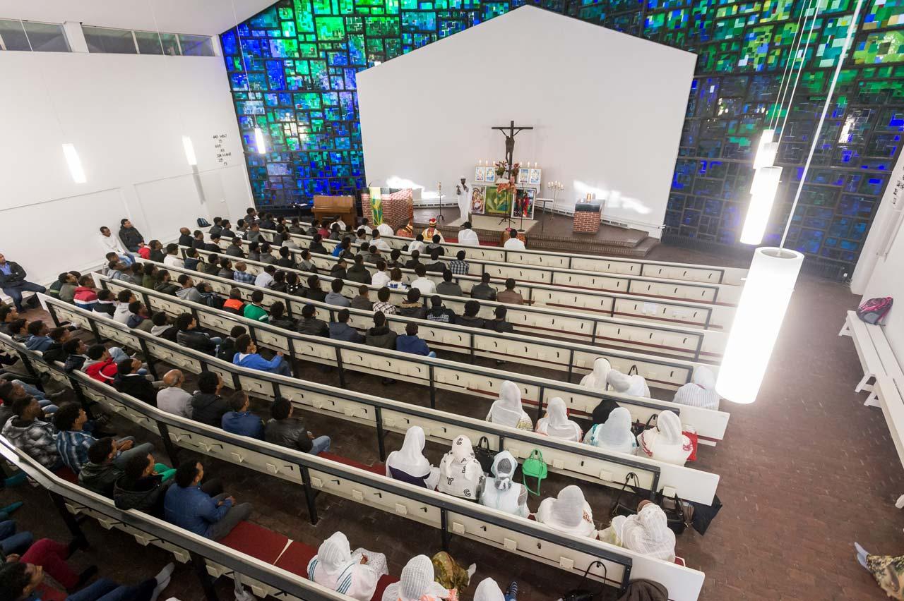 Die Eritreisch-Orthodoxe Kirchengemeinde hat in der Berliner Philippus-Kirche eine neue Heimat gefunden. Foto: Svea Pietschmann