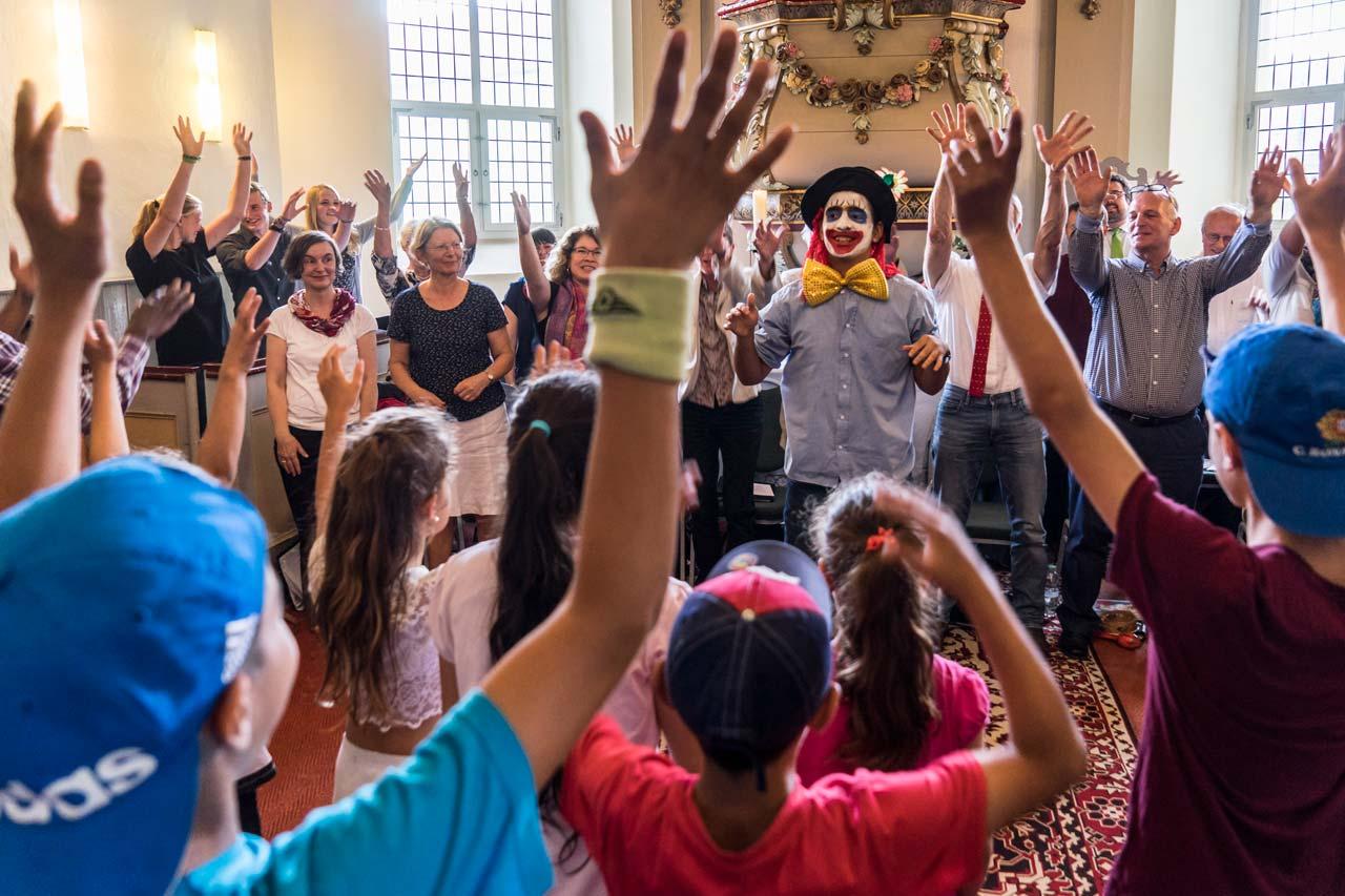 Die Initiative »Neue Nachbarn in Schönwalde« veranstaltet zusammen mit der evangelischen Kirche ein internationales Konzert. Foto: Rainer F. Steußloff